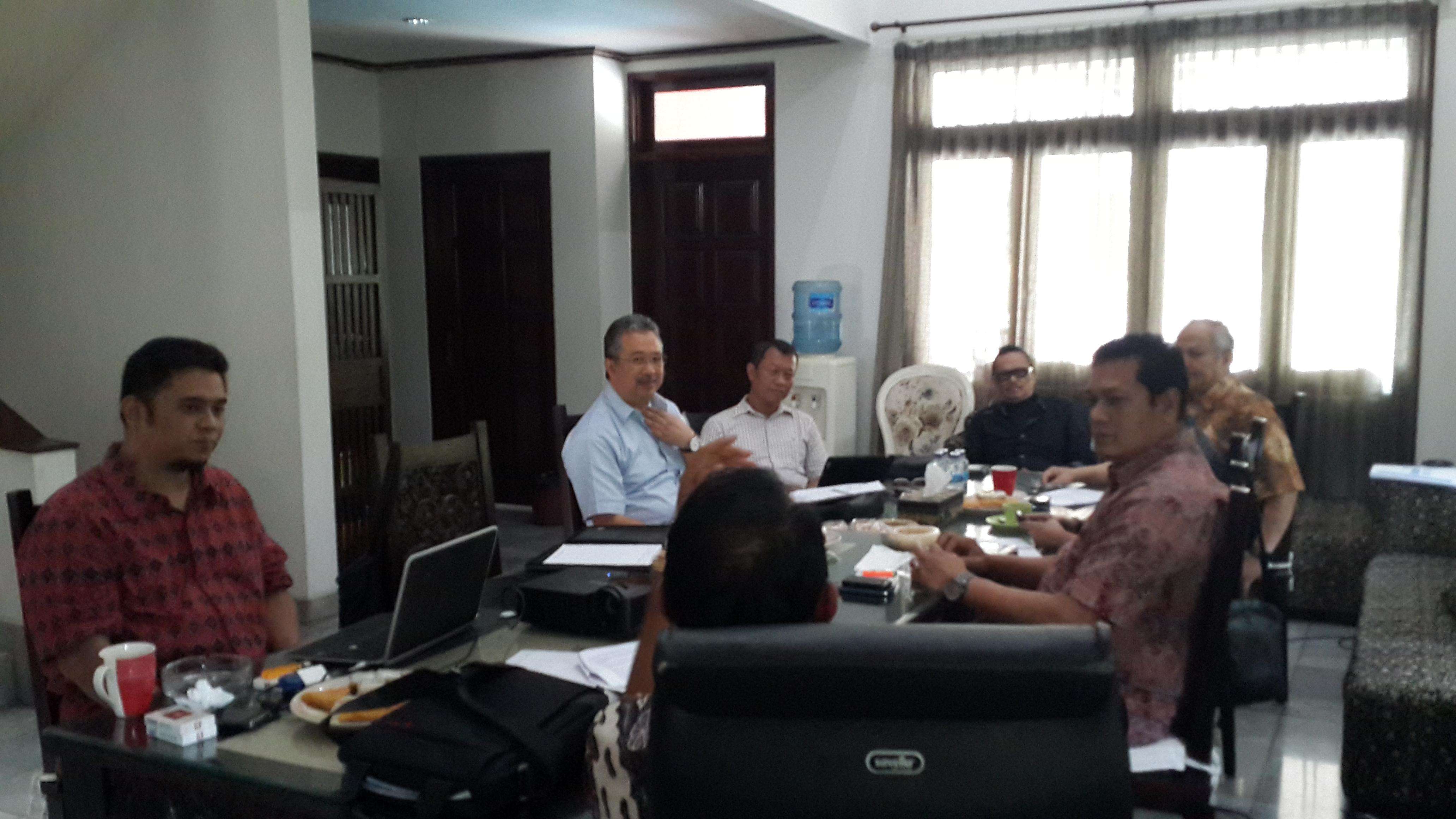 Diskusi Reboan Membahas Pentingnya Penetapan National Platform - Penajaman Visi & Misi Organisasi
