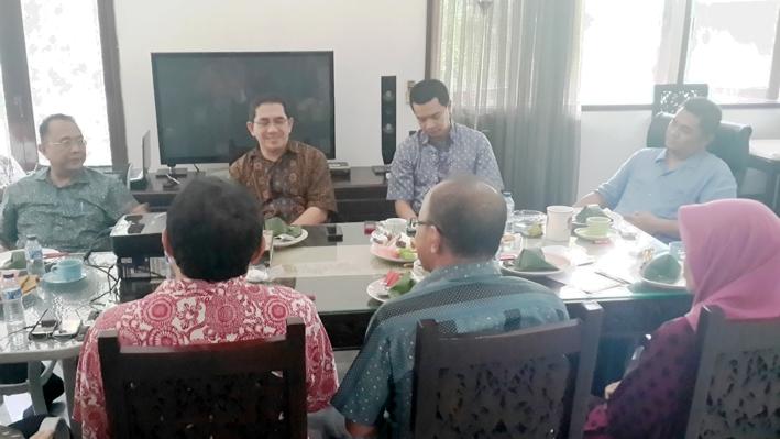Diskusi Reboan Membahas Persoalan Kedaulatan Informasi, Komunikasi dan Teknologi